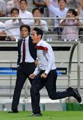 경기 후 두 감독의 다른 모습