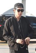 '공항 포착' JYJ 박유천, '음악으로 아침을 상쾌하게~'
