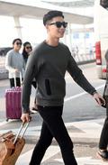 '밀크남' 박서준, '공항에서 자체발광'