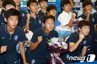 '리틀메시' 유승우 등 U-16대표팀 귀국