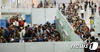 AG 인천공항 보안 강화…길게 늘어선 줄