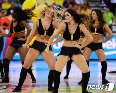 '뜨거운 농구 축제'