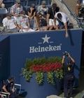 [사진]테니스 경기 중 운동화 어떻게 갈아 신을까?