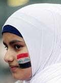 히잡 쓴 이라크 여성, '축구가 희망'