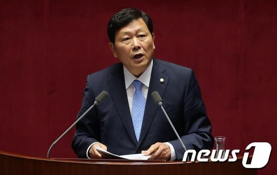 """""""강동원 의원이 돌아왔다""""…SNS에 지지자들 '환호' 글"""
