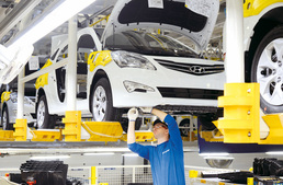 '생산 · 소비 · 투자' 6개월만에 동반 감소