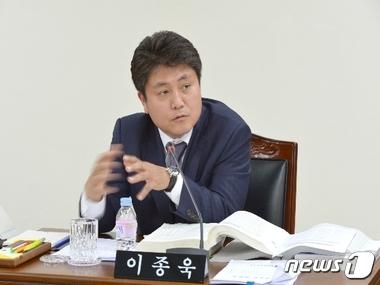 """이종욱 도의원 """"청년실업 대책 실효성 있게 추진해야"""""""