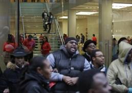 '블프'에도 시카고 시위 계속…