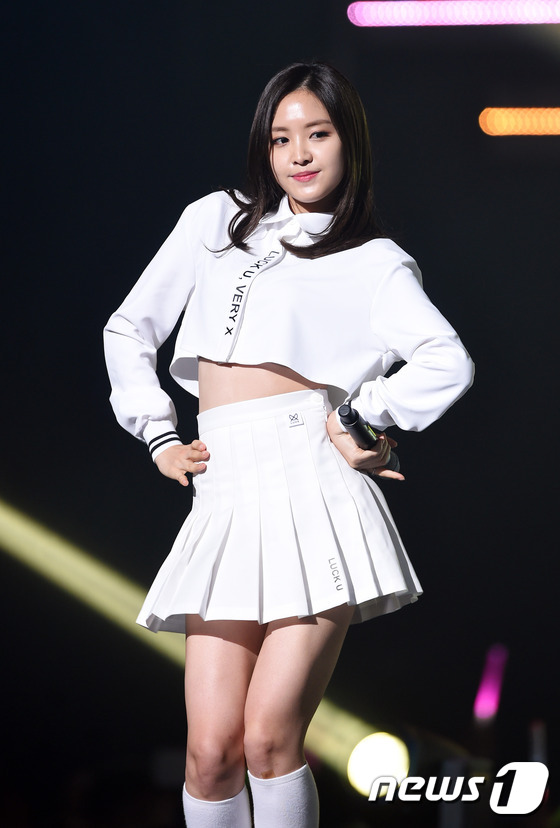 """world of kpop Pop music from korea, japan, hong kong, china, and taiwan is becoming increasingly popular on the world stage japan, the world's second-largest music market, is known for its """"wacky"""" and entertaining music videos, while k-pop is riding the government-funded korean wave and crashing on the."""