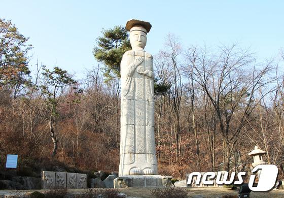 [우리옛돌박물관] 미륵불의 '염화미소'