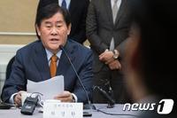 """최경환 """"3%대 실질성장·5%내외 경상성장 달성에 총력""""(상보)"""