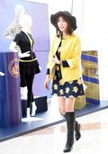 '군복 벗은' 강예원, '노랑 개나리 의상 입고 산뜻한 입장'