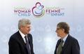 [사진]캐나다 총리와 인사 나누는 빌 게이츠