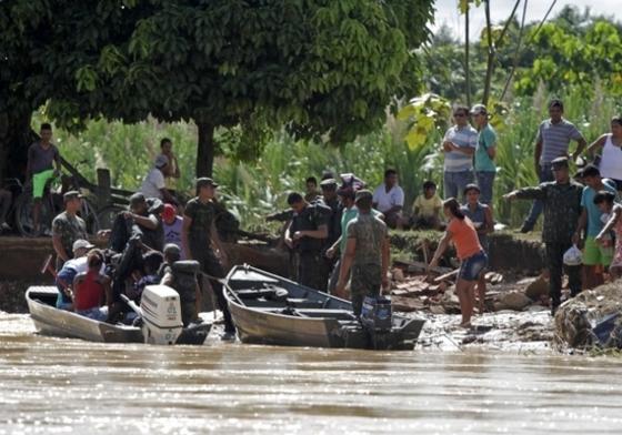 브라질 긴 가뭄끝에 '물폭탄'