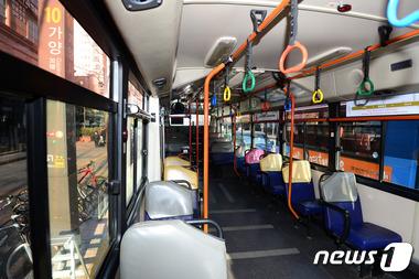 텅 빈 9호선 대체버스