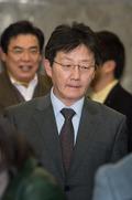 정책의원총회 참석한 유승민 원내대표