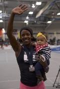 [사진]알리샤 몬타노, 딸과 600m 우승 축하