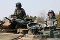 문재인 대표, 장갑차 기동훈련 체험