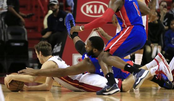NBA농구 '이게 레슬링이냐'