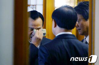 이완구 총리의 눈물?