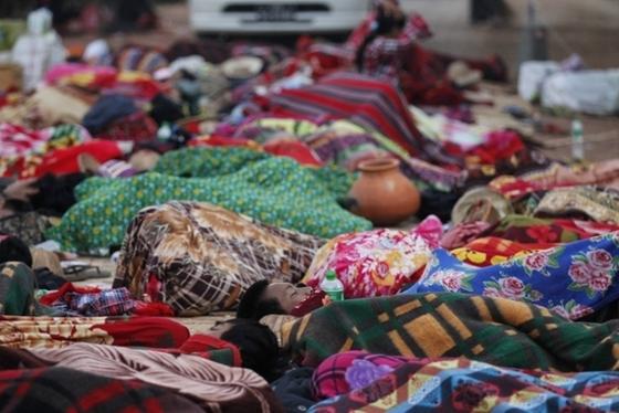 미얀마 대학생들 '노숙 시위'