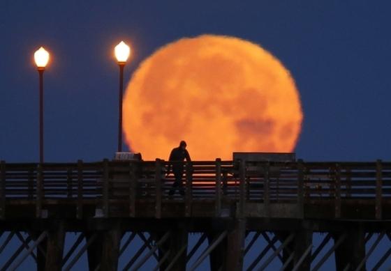 캘리포니아의 정월 대보름달