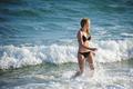 해변의 여인