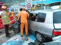 통영톨게이트 출구 안전대 충돌 교통사고