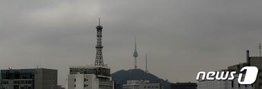 서울 하늘 먹구름