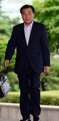 '금품수수' 박기춘 의원 검찰 출석