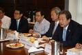 김무성 대표, 한반도 전문가 조찬 간담회 참석