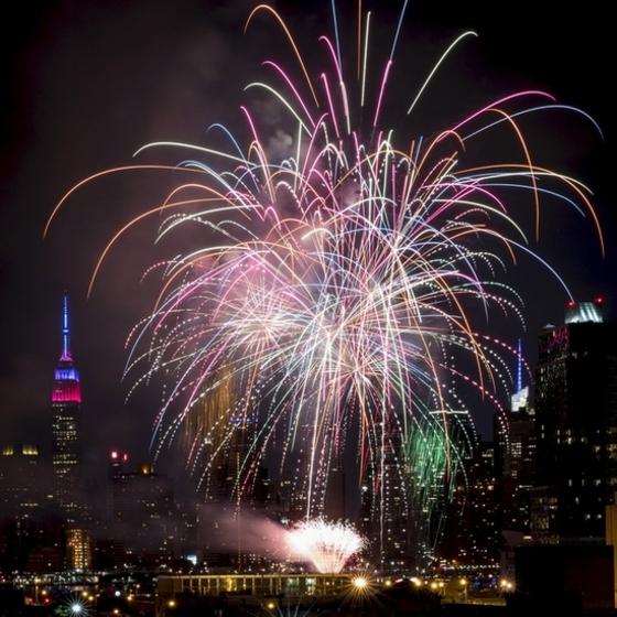 독립기념일 불꽃 뉴욕 밤하늘 장식