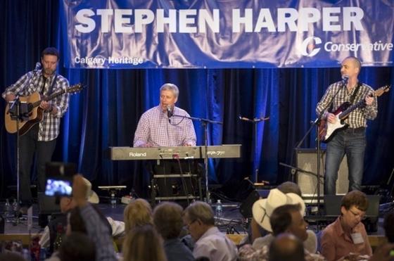 하퍼 캐나다 총리의 버스커버스커