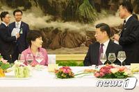 '단독오찬'에 朴대통령 애창곡까지…최상 관계, 최대 환대