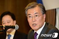 문재인, '北결재' 파문에 또다시 위기…향후 행보 주목