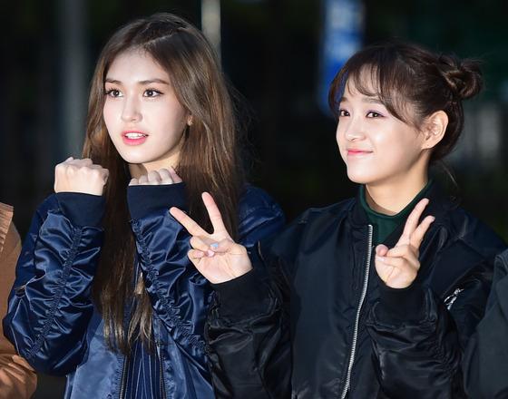 아이오아이 전소미-김세정, '샤방 미모~'