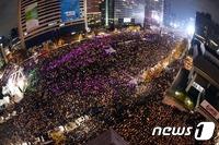 100만 촛불민심, 조여오는 검찰수사…朴대통령, 어떤 결단
