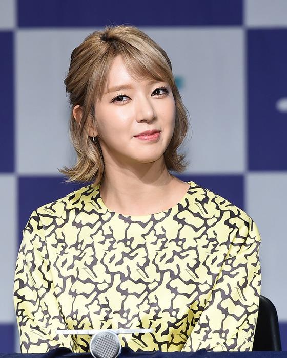"""[공식]초아, AOA 탈퇴 결정 """"2년전부터 불면증·우울증"""""""