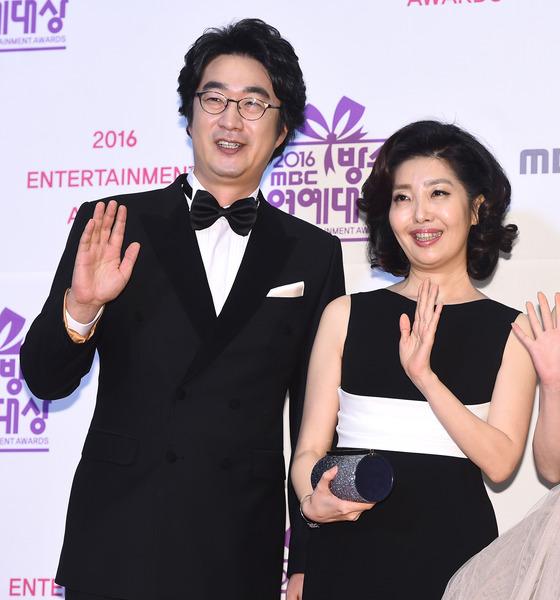 [단독] 정준호·함소원 이어 홍혜걸♥여에스더, '아내의 맛' 합류