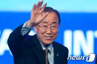 어제는 JP·오늘은 TK…반기문 대권행보 '시동'