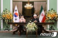 비핵화·경제성과 거둔 朴대통령 이란 외교…남은 '과제'는