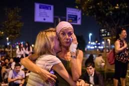 터키공항 테러 놀란 이용객들