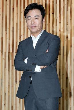 """[직격인터뷰] 이영돈 PD """"故 김영애씨에 사과...마음 아프다"""""""