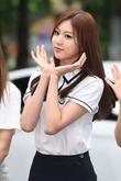 CLC 권은빈, 심쿵 유발 깜찍한 꽃받침