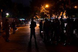 방글라데시 식당 인질극 진압 '성공'…13명 구조