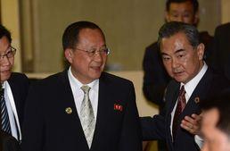 한중 · 북중 '극과극 회담'…中, 남북 쥐락펴락