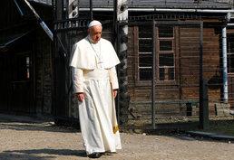 아우슈비츠 수용소 찾은 프란치스코 교황