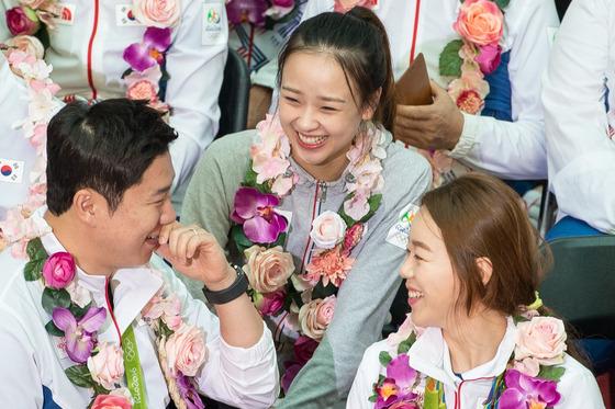 웃음꽃 핀 국가대표 선수단 해단식