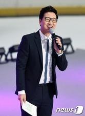 """KBS 측 """"조우종 아나 사직서 제출, 사표 수리는 아직"""""""