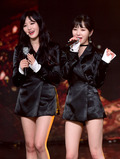에이오에이 찬미-민아, '쇼챔' 1위에 행복해~